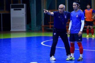 صالح: تیم فوتسال بازیهای پرفراز و نشیبی را به نمایش گذاشته است/ قزاقستان در تاکتیکهای ایستگاهی قوی کار میکند